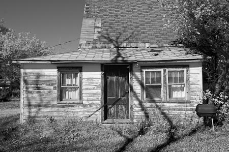 One of the many abandoned houses I found in the small towns around Langdon.